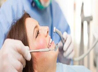 Descubren conexión entre la enfermedad de las encías y el alzhéimer .
